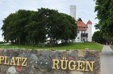Golfen mit Meerblick: Erster Abschlag am Schloss Ranzow
