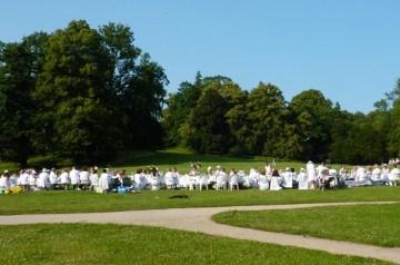 Weißes Dinner im Park Putbus