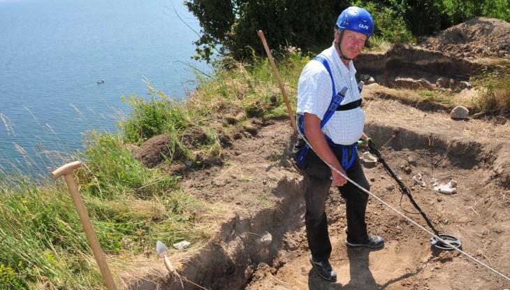 Einzigartige archäologische Entdeckung auf Arkona: Gruben entpuppen sich als Fundamente einer Kulthalle!