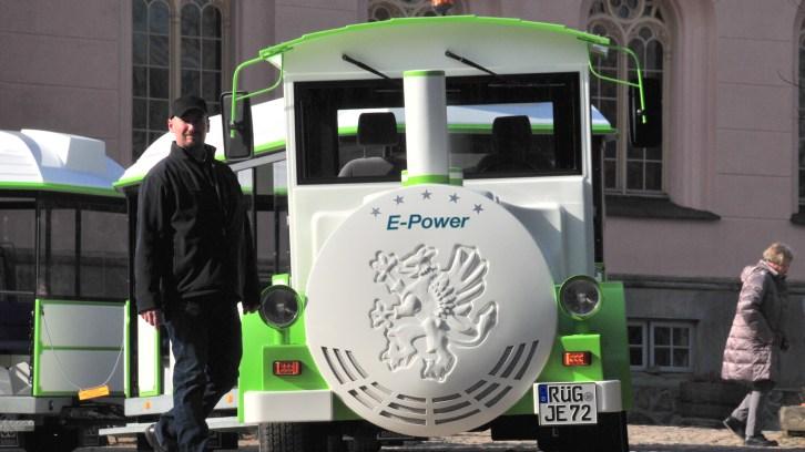 Signal auf Grün für Elektrobahn auf Rügen