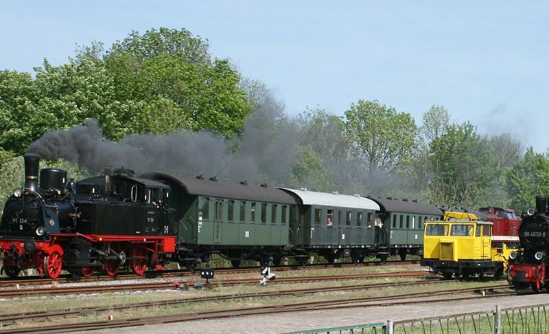 """""""Rasender Roland"""" – Kleine Bahn auf großer Insel."""