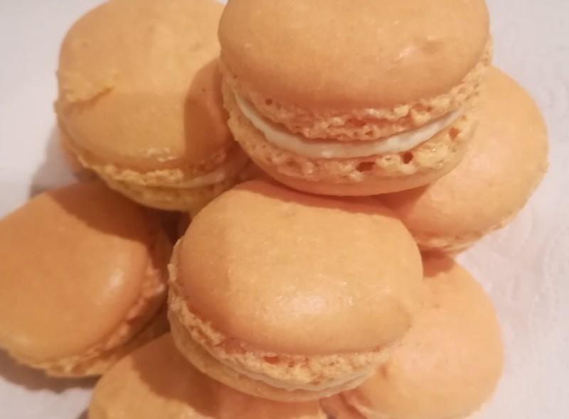 In der Zuckerbäckerei: Macarons mit Sanddornfüllung