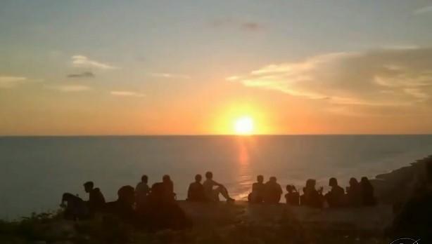 tempat melihat sunset di parangtritis
