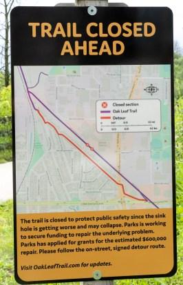 Trail Closed Ahead sign on Oak Leaf Trail