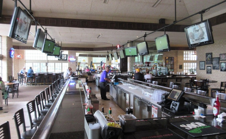 Thornberry Creek Golf Course Bar   Wisconsin Golf Trips Thornberry Creek Golf Course Bar