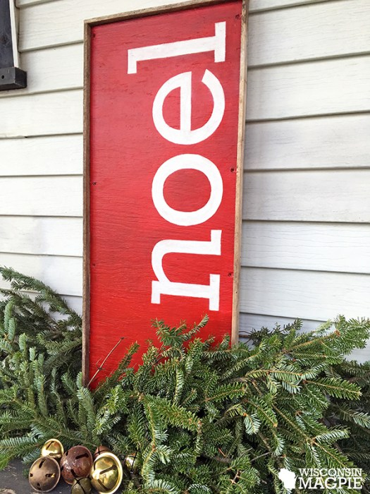 making a wooden Christmas sign