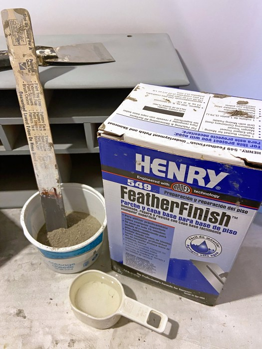 Box of Henry FeatherFinish Underlayment Patch and Skimcoat