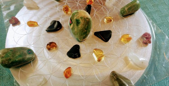 Intuitively Crafted Crystal Grid