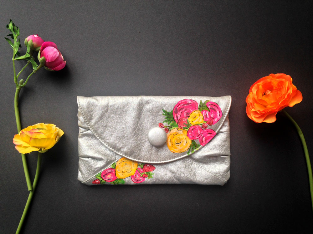 Upcycling Idea Painted Thrift Store Clutch