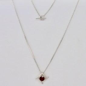 Garnet_silver_geometric_necklace