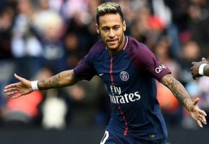 I make my career decisions, Not my father – Neymar