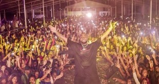 "VIDEO: DAVIDO Shut Down A Sold Out Show In An Unknown Country Named ""SURINAME"""