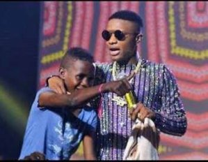 You Lied! Fan Calls Out Wizkid For Making Fake Promises! (See Full Gist)
