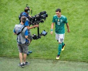 Mesut Ozil Retires From International Football For This Shocking Reason