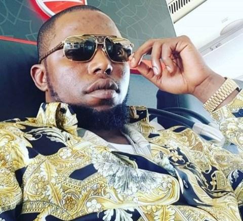 Suspected Nigerian fraudsters arrested - YouTube