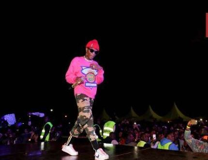 Video: Watch How Wizkid Got The Royal Treatment During His Concert In Kenya