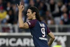 Cavani Injured Ahead Of PSG's Trip To Play Manchester United