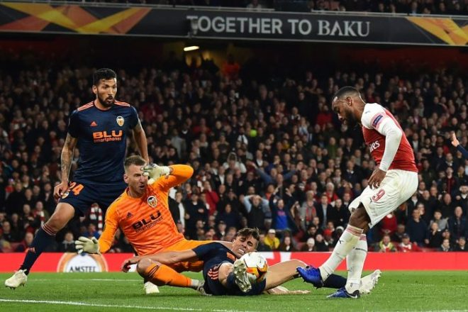 Arsenal vs Valencia 3-1 - Highlights & Goals