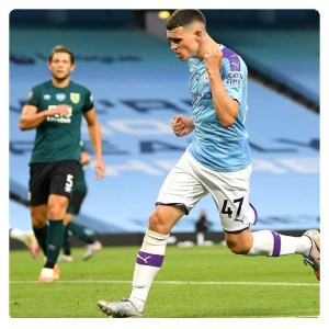 Foden jubilating his goal in Manchester city vs Burnley match