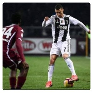 Ronaldo tried to dribble a player in Juventus vs Torino 4-1
