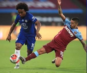 Willian in action in West Ham vs Chelsea Highlights #whuche