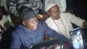 Sunday Igboho Jumps Over The Fence As Ewi Of Ado-Ekiti Refuses Entrance Into The Palace (Video)