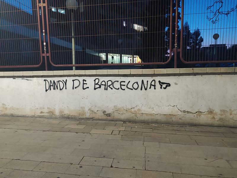 Pues alguien ha escrito esto en las inmediaciones del Hospital General de Alicante…