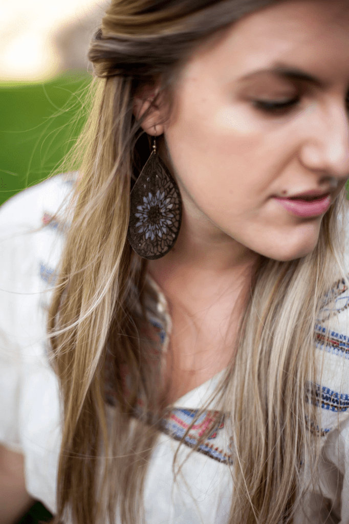 embroidered-boho-outfit