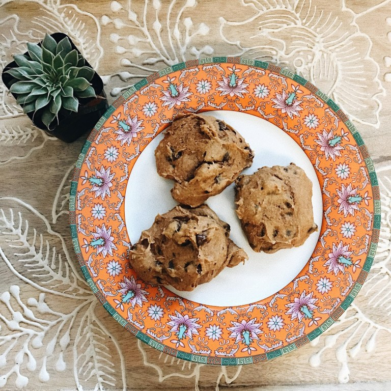 Simple + Yummy Pumpkin Chocolate Chip Cookies