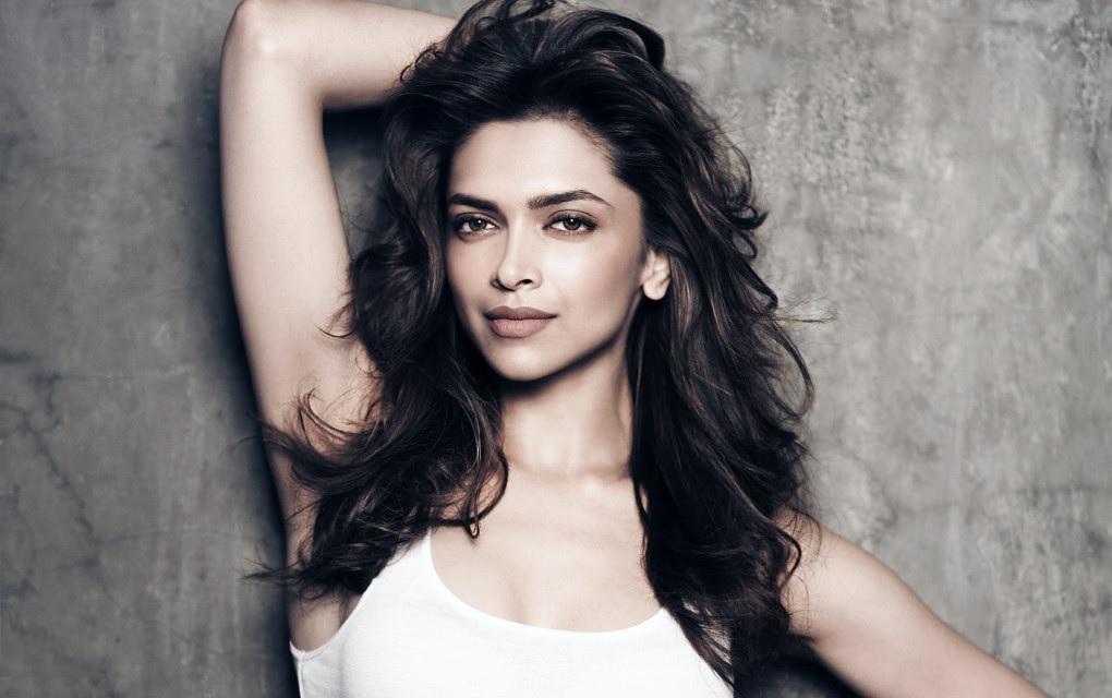 Deepika Padukone most beautiful girl