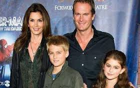 Model Cindy Crawford and her family