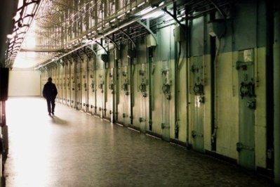 prison ya du boulot