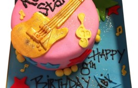 Rock-Star-Guitar-Cake