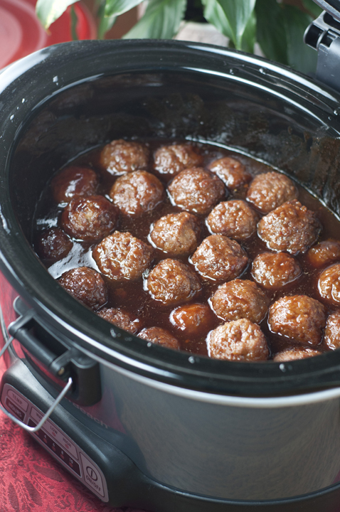 Slow Cooker Grape Jelly BBQ Meatballs {Wishes & Dishes}