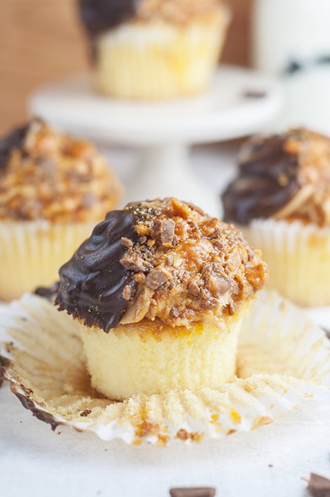 Vanilla Butterfinger Cupcakes {Wishes & Dishes}