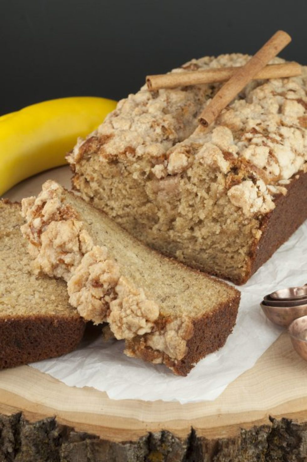 Cinnamon Crumb Banana Bread {Wishes and Dishes}