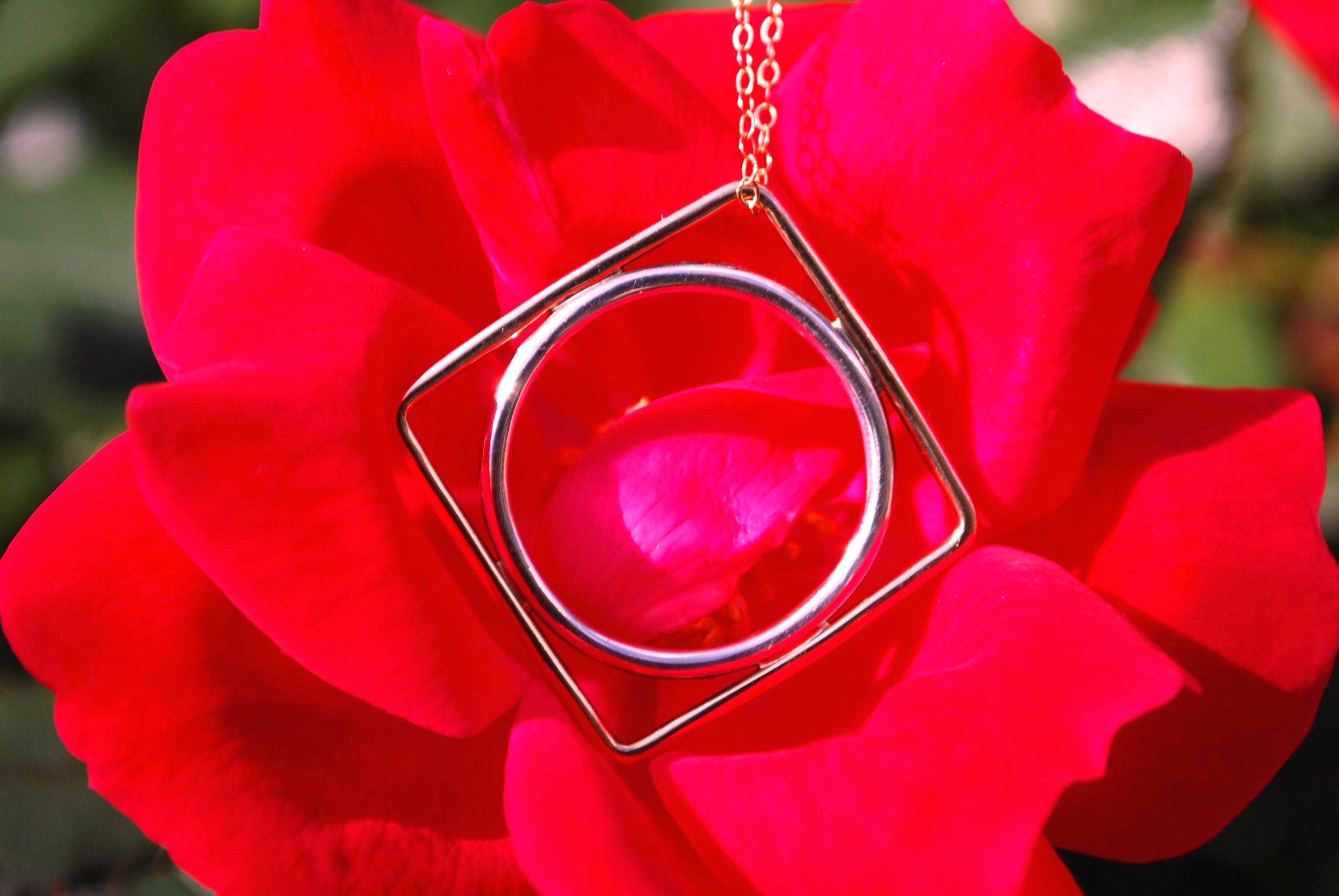 round square pendant ring
