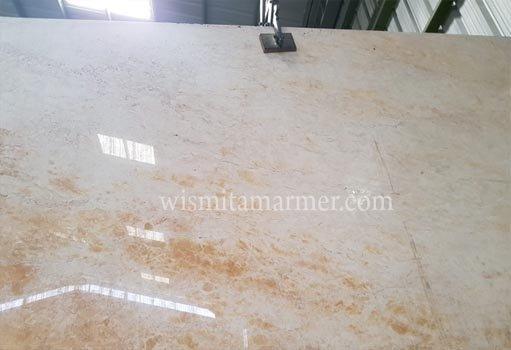 supplier-marmer-indonesia-harga-marmer-ujung-pandang-supplier-marmer-jakarta-wismita-marmer-crema-orange-gudang-marmer-jakarta