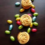 Babeczki kajmakowe – jajeczka w kajmakowych babeczkach