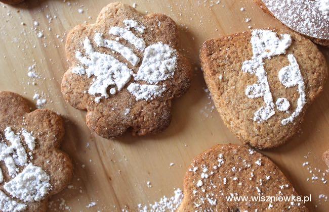 Ciasteczka grahamki z cukrem pudrem.