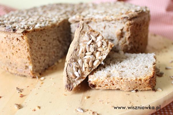 Chleb na prawdziwym zakwasie długo utrzymuje świeżość.