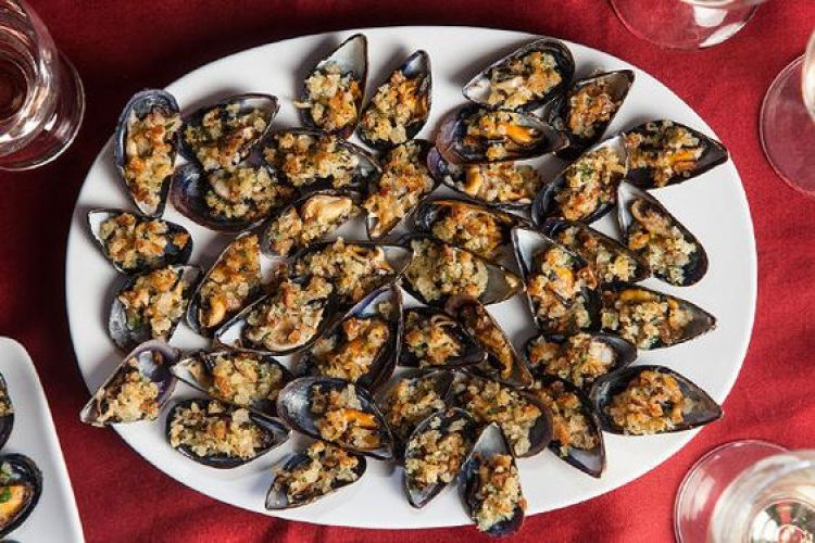 easy recipes mussels with bacon breadcrumbs wit & delight
