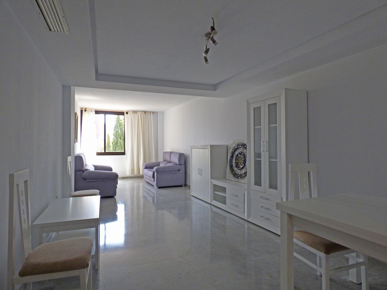 Apartamento en playa poniente., 2ª. Pisos De Alquiler En Benidorm Baratos : Inmobiliaria en ...