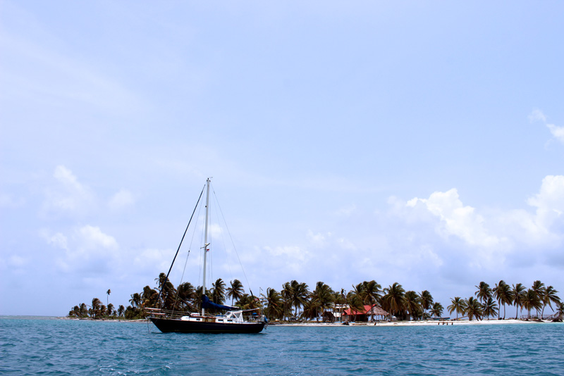 Brio at anchor in the Lemon Cays in San Blas