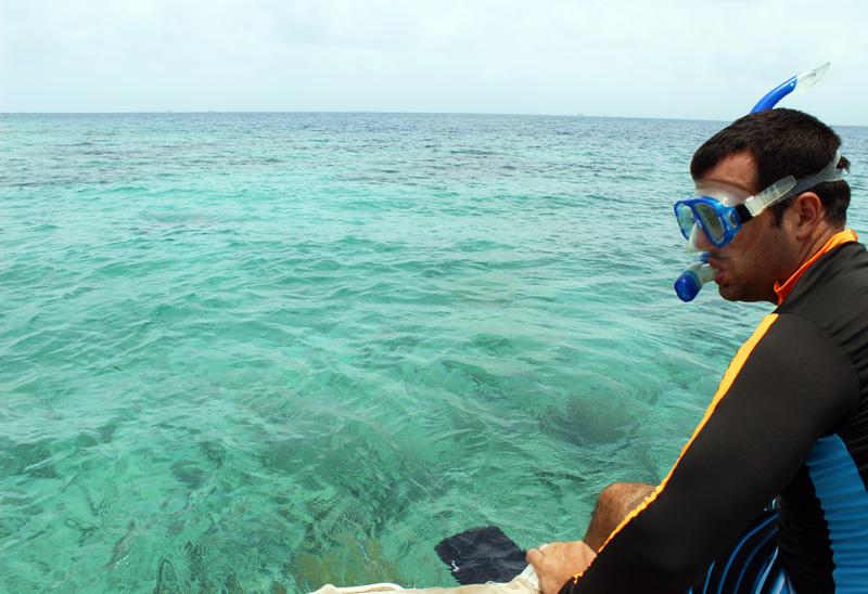 Jon Snorkeling - Lemon Cays - San Blas Islands 2014