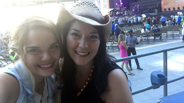 At the Old Dominion Kenny Chesney concert with Jess