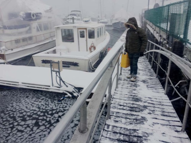 Blizzards on boats in Maine - living aboard in winter