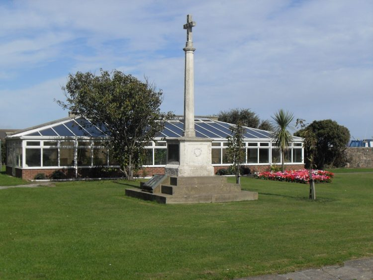 Old War Memorial, Withernsea