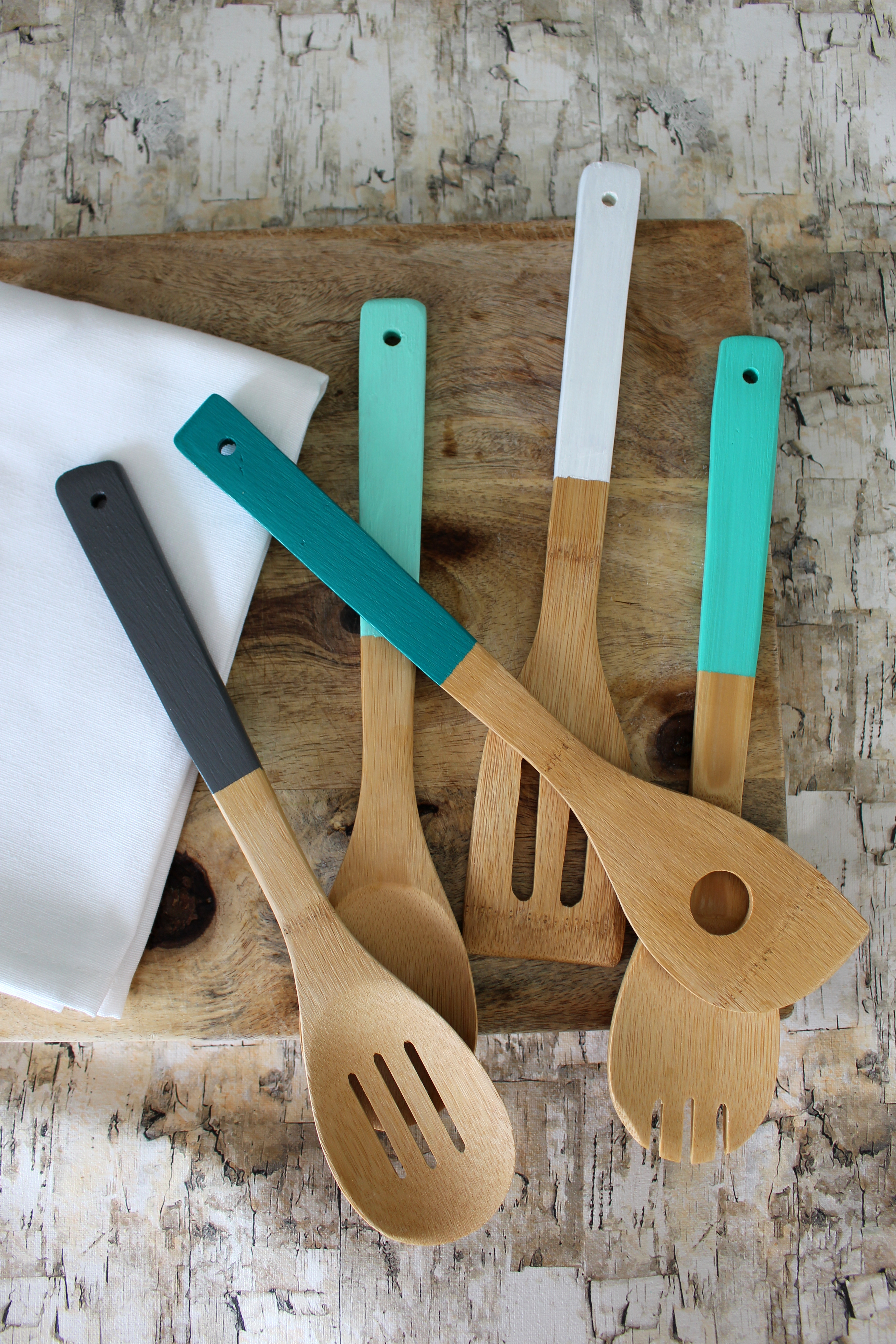 DIY Painted Utensils for your kitchen