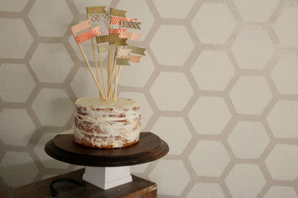 Cake Stand for your next party with the DIY tutorial